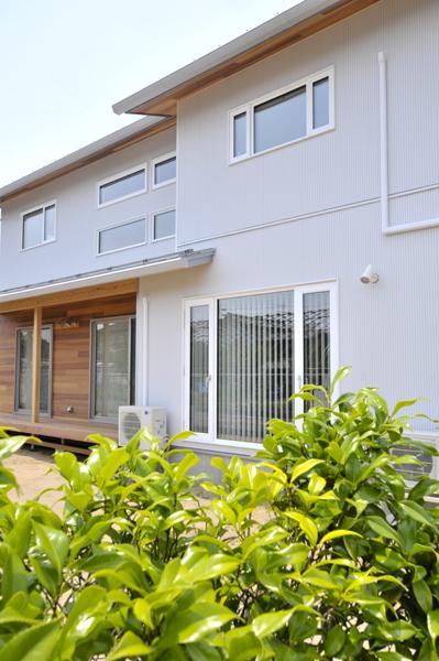 加茂市 「白い家」